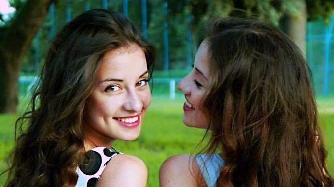 Slavná dvojčata a herečky Lucie a Barbora Černé