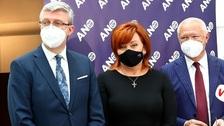 Ministryně Alena Schillerová ve společnosti Karla Havlíčka (vlevo) a Jaroslava Faltýnka